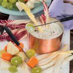 Fonduta di gorgonzola dolce con verdura e frutta