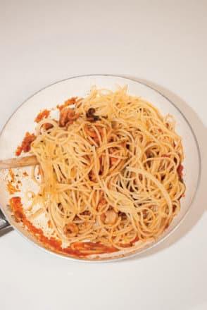 Spaghetti con moscardini: ricetta di un primo piatto da Gambero Rosso!