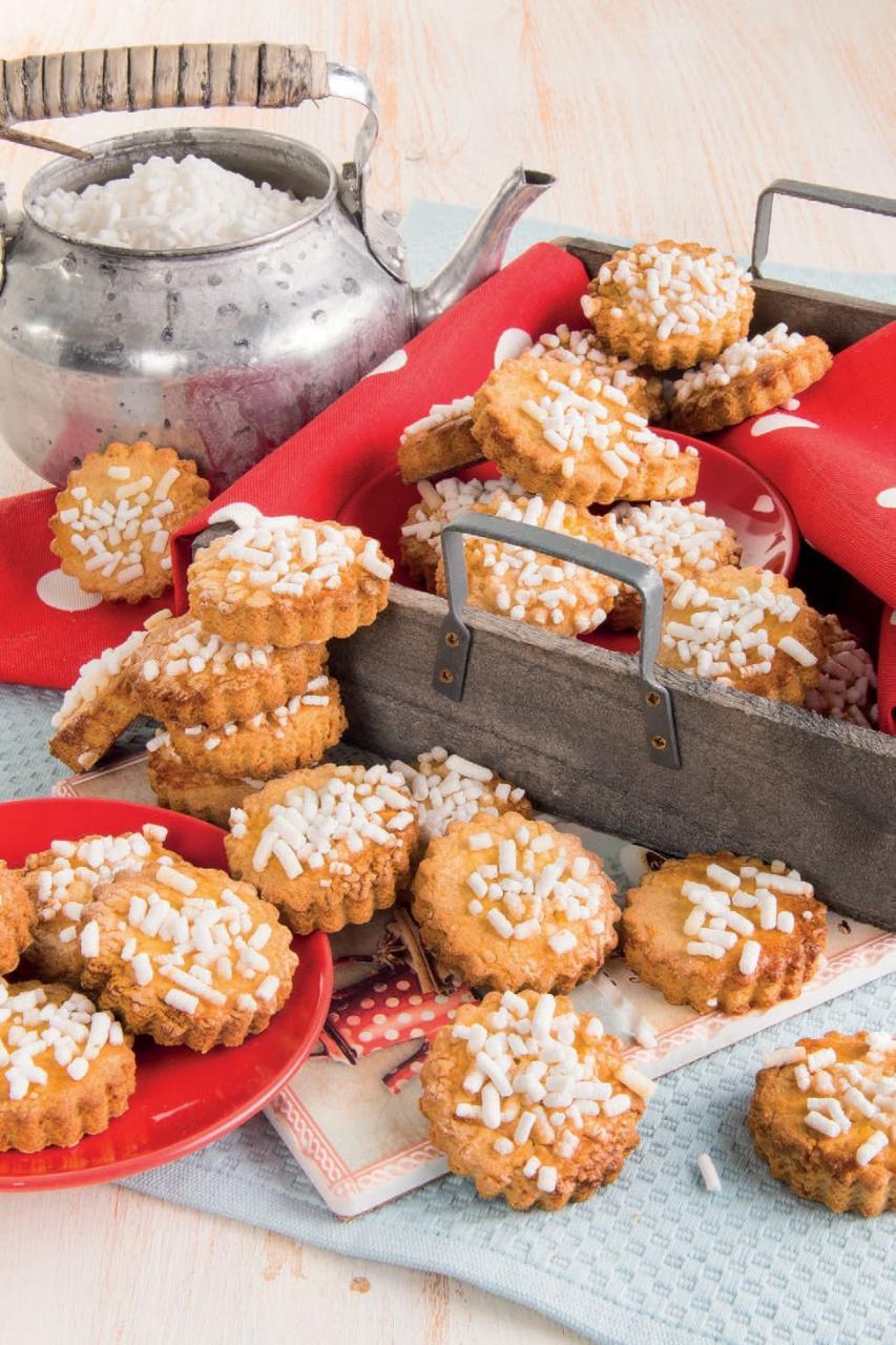 Biscotti di kamut con miele e granella di zucchero