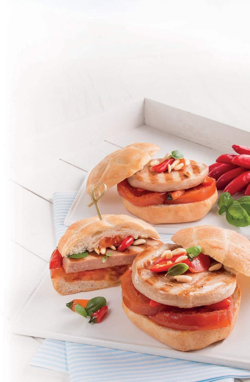 Panino con burger di Tonno e peperoncini caramellati