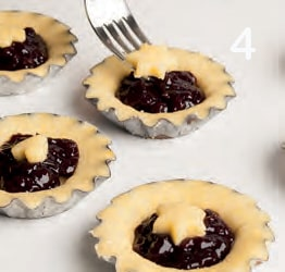 Crostatine senza glutine con confettura di ciliegie