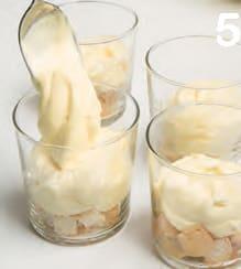 Bicchierini di crema soffice al limone con savoiardi e amarene