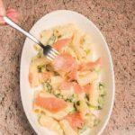 Rigatoni cremosi con asparagi e salmone: la ricetta giusta a primavera