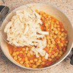 Minestra di pasta e ceci: ricetta classica e profumata