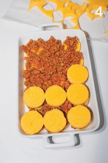 Gnocchi di polenta al forno con il ragù: ricetta illustrata