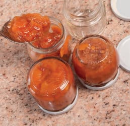 Confettura di mele cotogne e chiodi di garofano