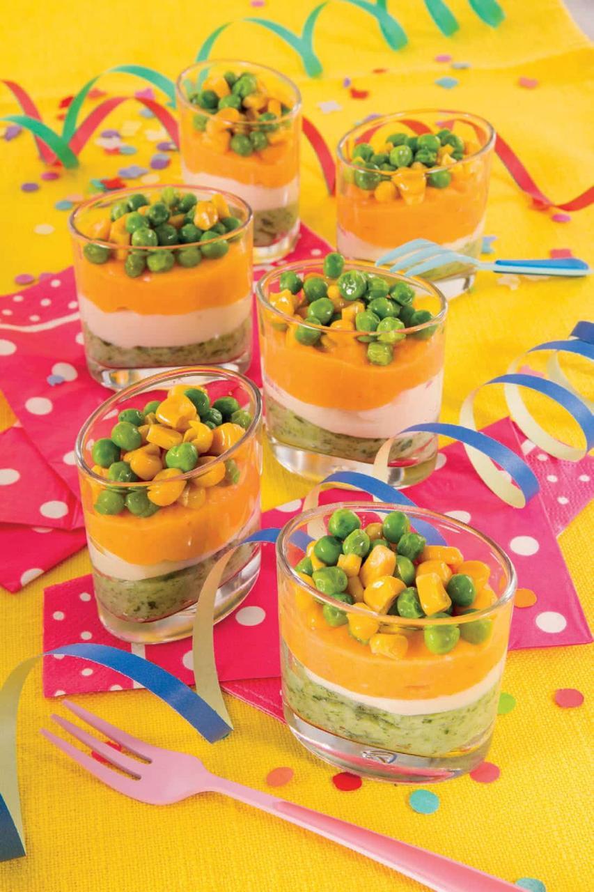 Bicchierini con crema di spinaci, purè di carote e piselli