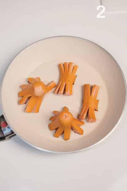 Il wurstel che si finge un polipo (da mangiare con le bacchette)
