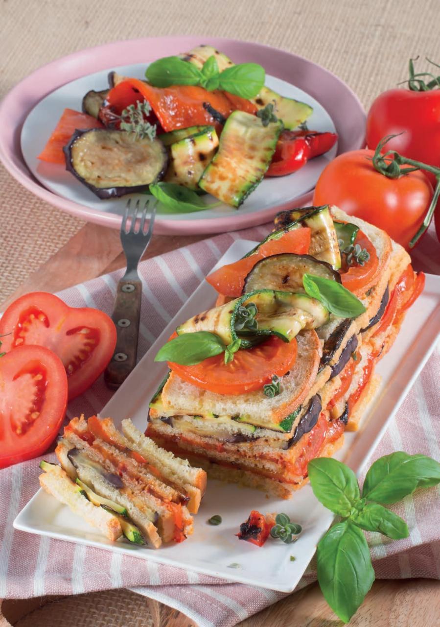 Finta lasagna di pane con zucchine, peperoni e melanzane