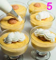 Crema al latte di mandorle con amaretti e cioccolato