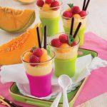 Coppette con crema chantilly al limone e frutta fresca