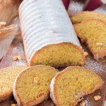 Plum cake con farina di mais, mandorle e nocciole