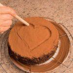 Torta al cioccolato con crema all'arancia e zenzero