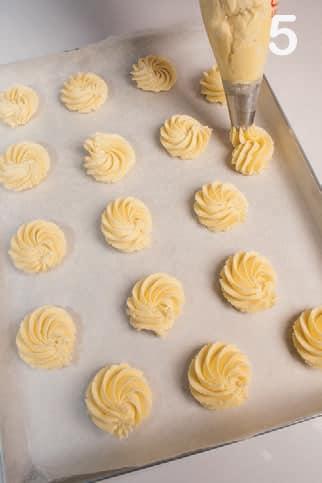 Frollini profumati al limone: ricetta velocissima