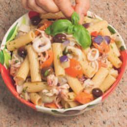"""Pasta """"mare e orto"""" con calamaretti e melanzane"""