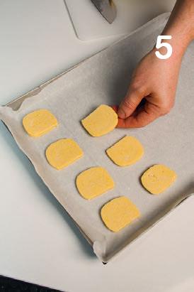 Biscotti al miele e cannella: la ricetta illustrata