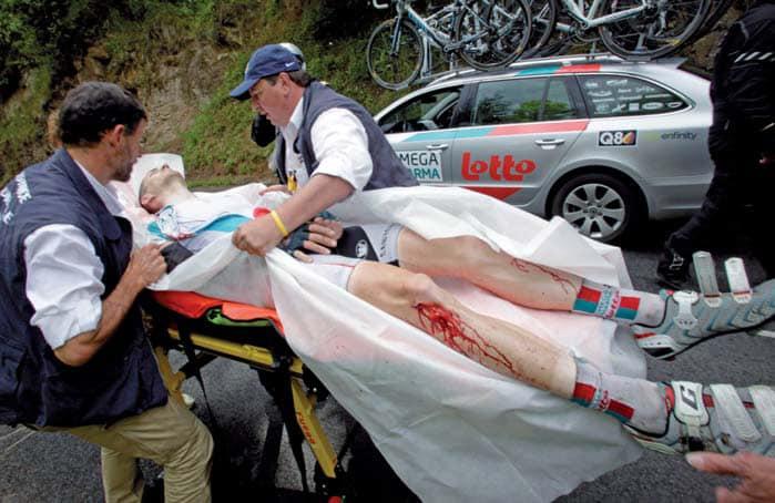 L'inchiesta: Perché tante cadute al Tour de France?