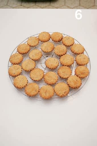 Biscotti integrali con zucchero di canna e frutti rossi