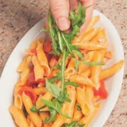 Garganelli con pancetta, pomodorini e rucola