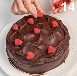 Pastel del diablo: torta al cioccolato fondente e frutti di bosco