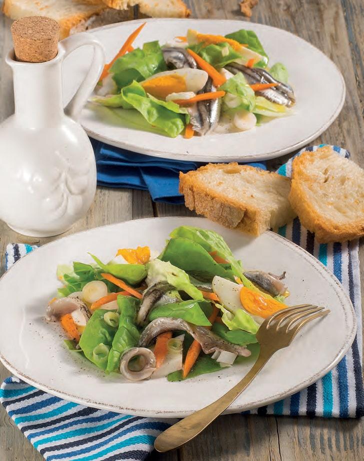Insalata con alici marinate, mozzarella e uova sode
