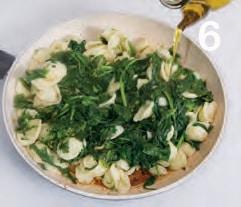 Orecchiette con le cime di rapa e acciughe: la Puglia a tavola
