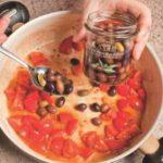Gnocchi di patate con olive taggiasche e acciughe