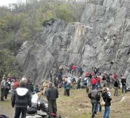 La falesia di Avigliana offre una palestra di roccia naturale