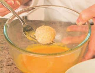 Mozzarelline fritte dal cuore filante: gustale calde!