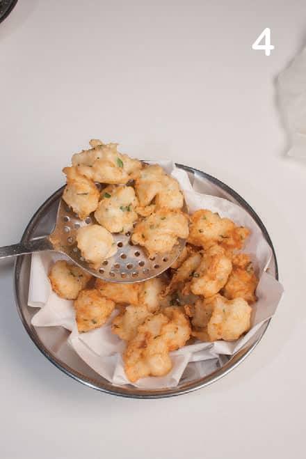 Mini frittelle di baccalà per un aperitivo speciale
