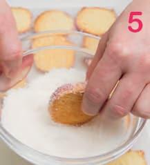 Biscotti al cocco con confettura di lamponi: la ricetta