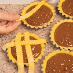 Crostatine con grano cotto e cioccolato