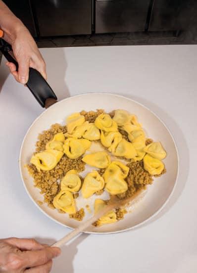 Ravioli di ricotta, zafferano e limone: una pasta ripiena dal sapore freschissimo