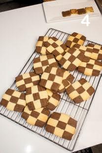 Biscotti scacchiera: frollini con il cacao perfetti per l'inzuppo