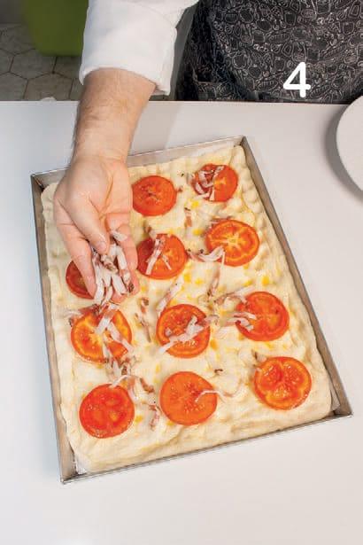 Stria farcita con pomodori, pancetta e provolone