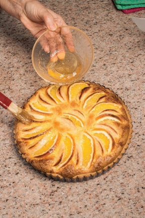 Crostata crema alle mandorle e mele arancia