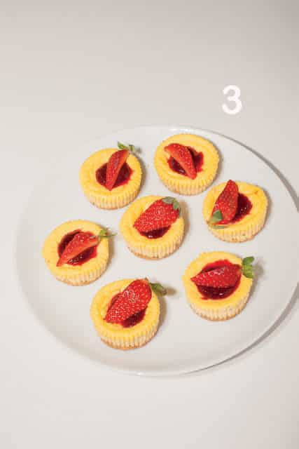 Mini cheesecake al lime e confettura di fragole