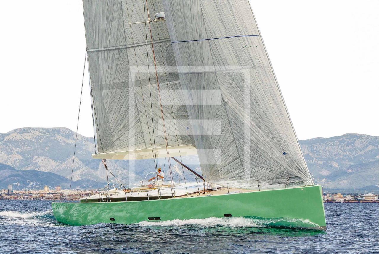 Prestazioni e comfort per un 24 metri con un design che interpreta in chiave moderna elementi della tradizione