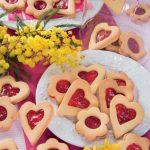 Biscotti a forma di cuore per veri romantici