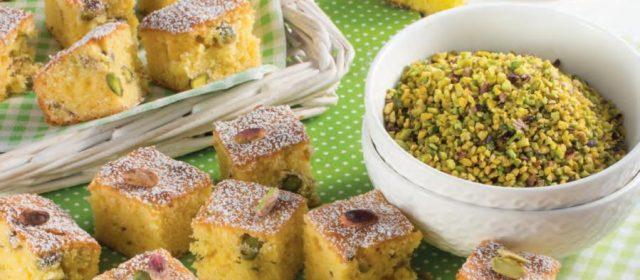 Cubetti di torta ai pistacchi