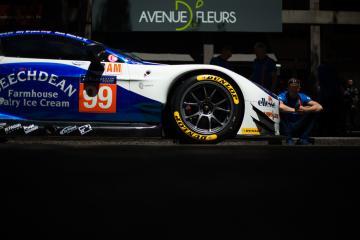 #99 BEECHDEAN AMR / GBR / ASTON MARTIN VANTAGE - Le Mans 24 Hour - Place de la R