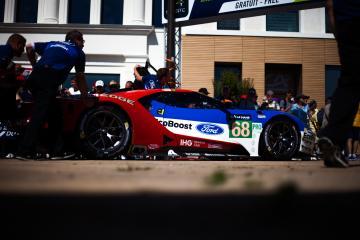 #68 FORD CHIP GANASSI TEAM UK / USA / Ford GT - Le Mans 24 Hour - Place de la R
