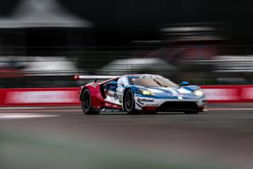 #67 FORD CHIP GANASSI TEAM UK / USA / Ford GT -