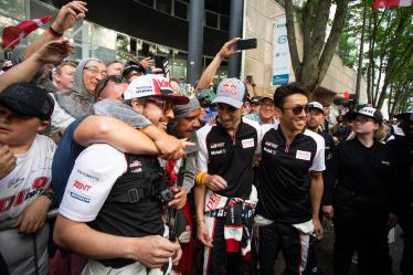 Parade - #8 TOYOTA GAZOO RACING / JPN / Toyota TS050 - Hybrid - Hybrid / Sebastien Buemi (CHE) / Fernando Alonso (ESP) / Kazuki Nakajima (JPN) - 24 hours of Le Mans - Circuit de la Sarthe - Le Mans - France -