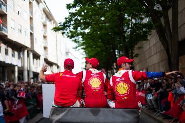 Parade - #51 AF CORSE / ITA / Ferrari 488 GTE / James Calado (GBR) / Alessandro Pier Guidi (ITA) / Daniel Serra (BRA) - 24 hours of Le Mans - Circuit de la Sarthe - Le Mans - France -