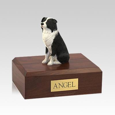 Border Collie Sitting Medium Dog Urn