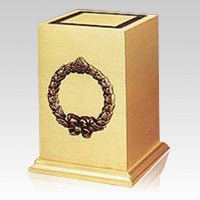 Victory Wreath Cremation Urn