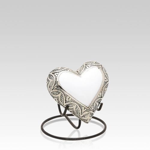 Grieta Heart Keepsake Urn