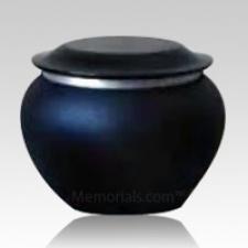 Pagoda Onyx Large Pet Urn