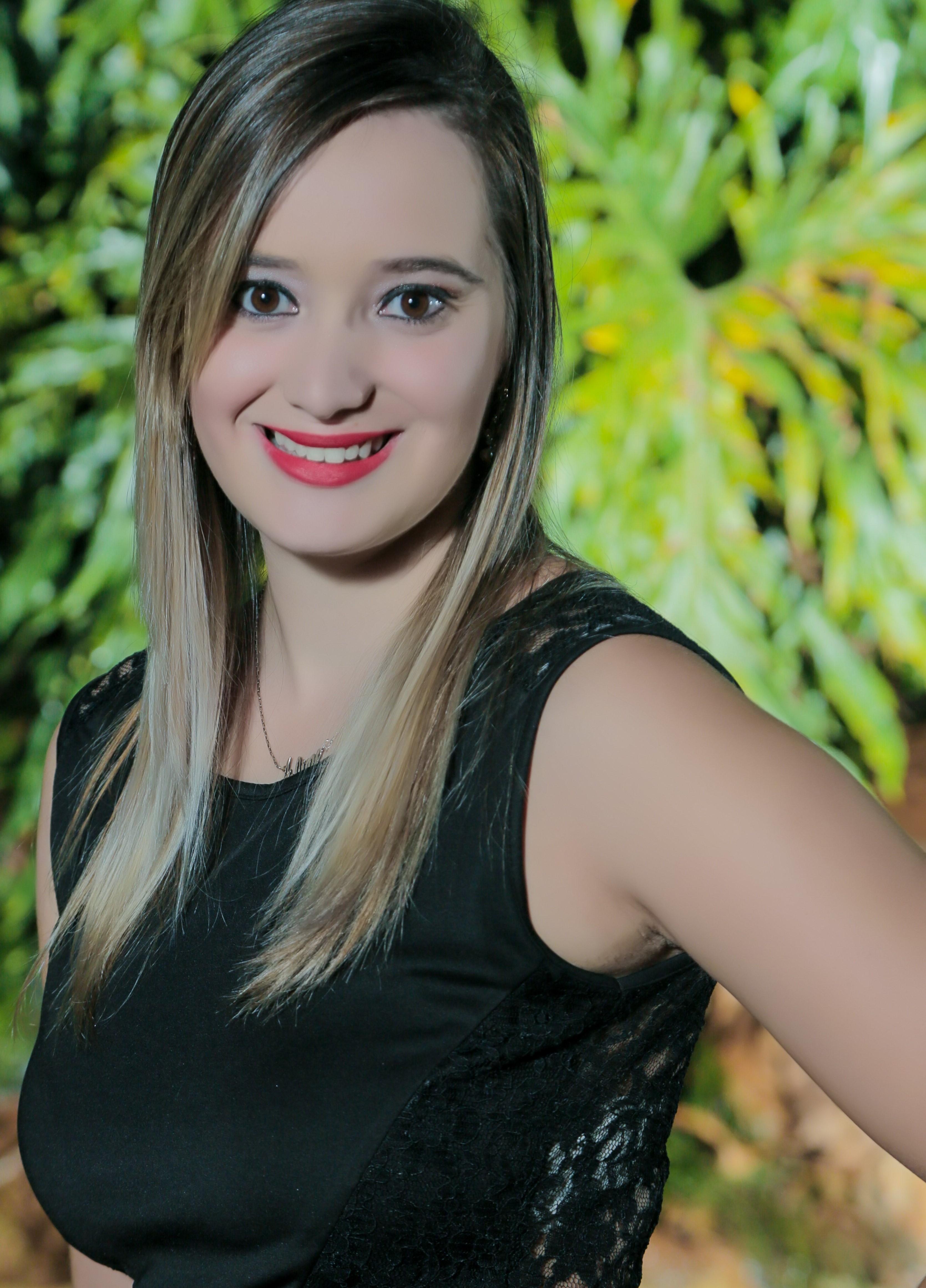 Aline Landim Alves